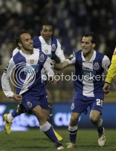 Belluschi fazia excelente golo no Estoril