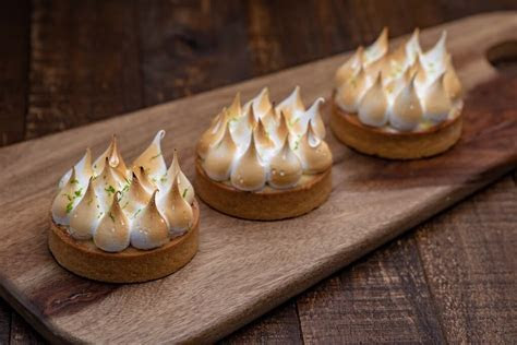 Lemon Meringue Tart   Porto's Bakery