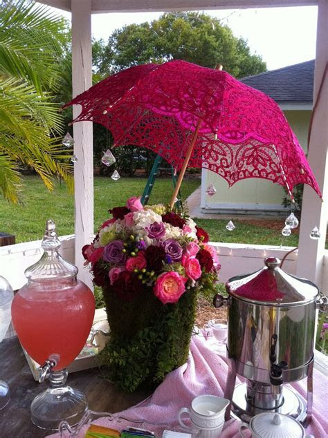 25  best ideas about Umbrella Centerpiece on Pinterest