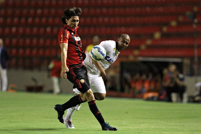 Sport x Atlético-PR (Foto: Marlon Costa / Pernambuco Press)