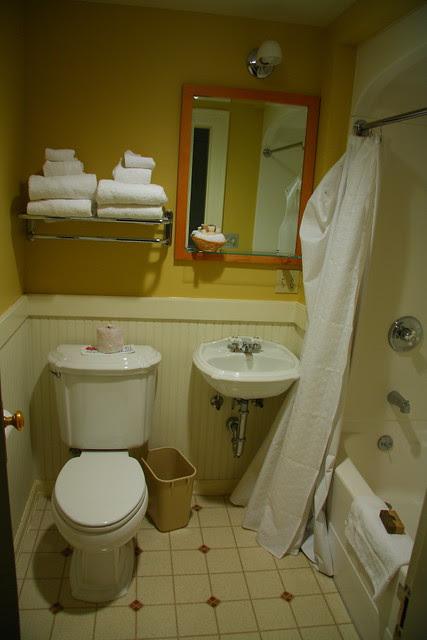 IMG_6259 Old Faithful Inn Motel Room