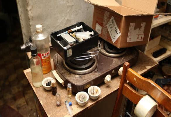 Um laboratório na Rússia onde é preparada a droga!