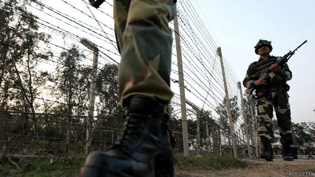 Muros y alambradas se extienden por casi la mitad de los 2.900 kilómetros de línea fronteriza.