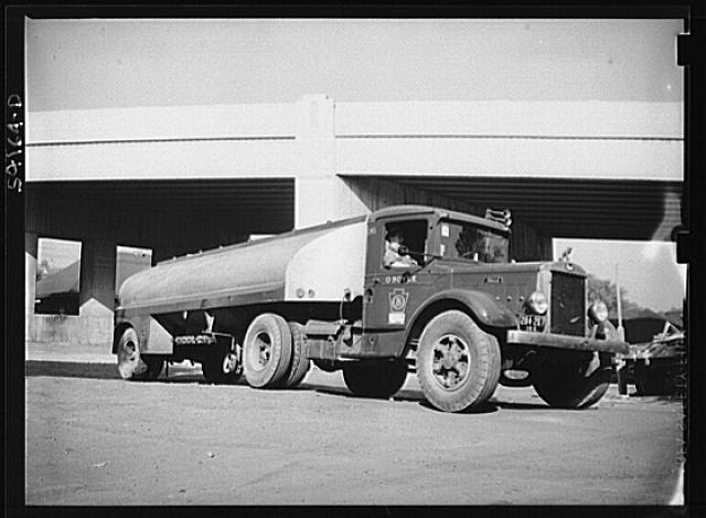 Washington, D.C. An O. Boyle tank truck on the door of which is displayed a United States Truck Conservation Corps pledge