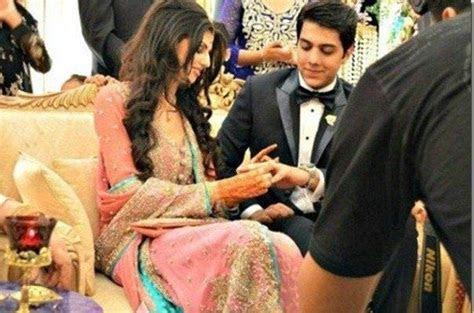 Gohar Mumtaz & Anam Ahmad?s Engagement   Cute Outfits
