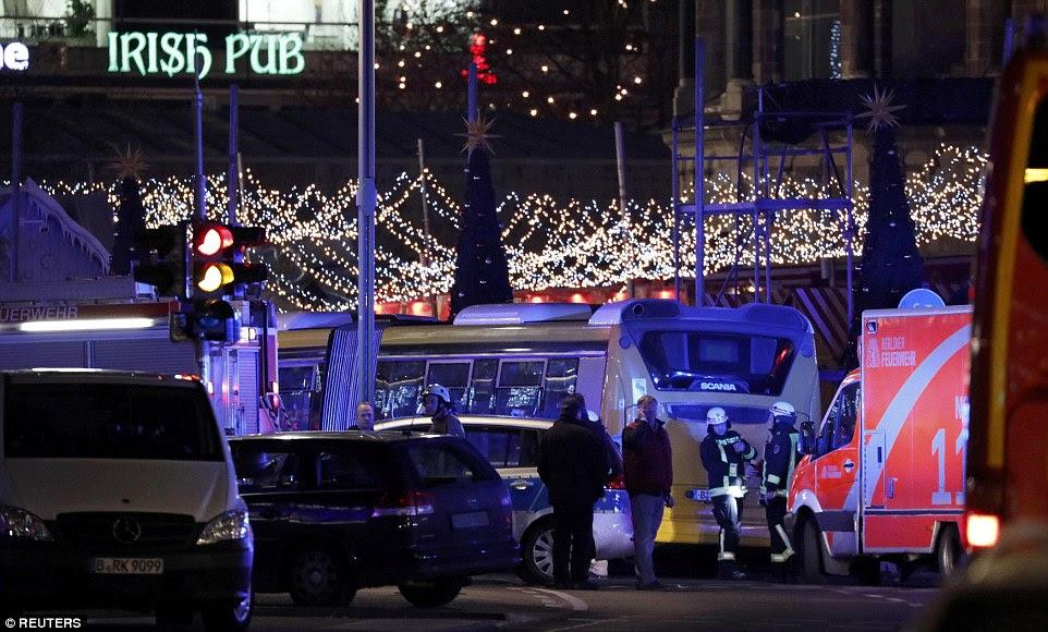 O horrível incidente ocorreu em um local popular entre os turistas - com muitos britânicos na cena do crime