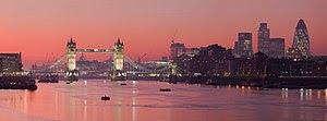 Česky: Podvečerní panorama Londýna English: A ...