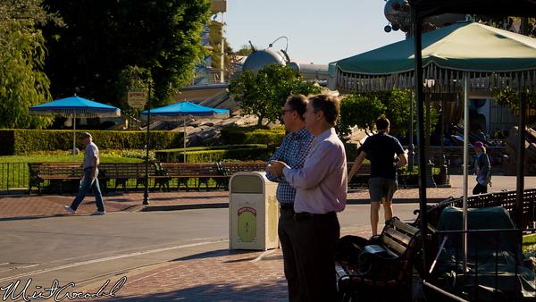 Disneyland Resort, Disneyland, Sleeping Beauty Castle, Christmas, Parade, Show, Frozen, Christmas Time, Michael Colglazier