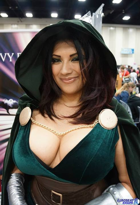 http://img.myconfinedspace.com/wp-content/uploads/2014/03/Ivy-Doom-itty-dr-doom-cosplayer.jpg