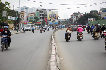 đường Trường Chinh, cong mềm mại, ghi đông xe đạp