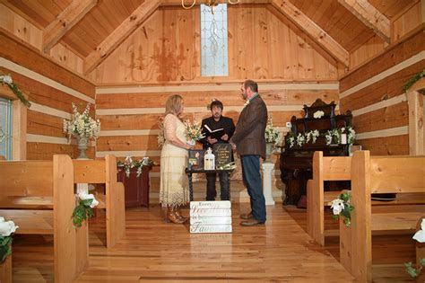weddings chapel  pigeon forge tennessee