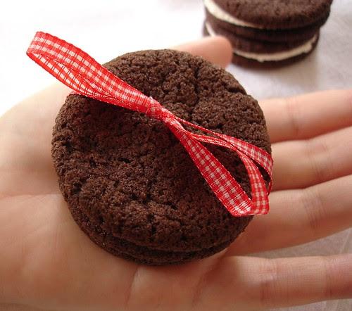 Chocolate Sandwich Cookies with Vanilla-Cream Filling (Homemade Oreos)