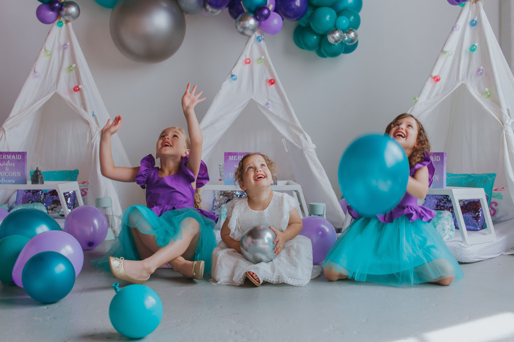 little girls little mermaid ariel birthday party 5