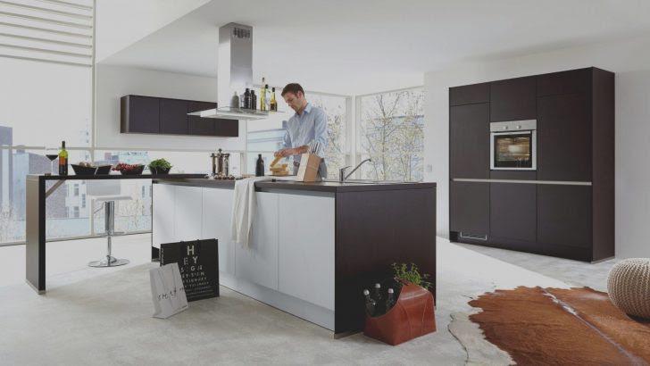 Küche Mit Aufgesetzter Theke Modern Roller Kochinsel Und ...