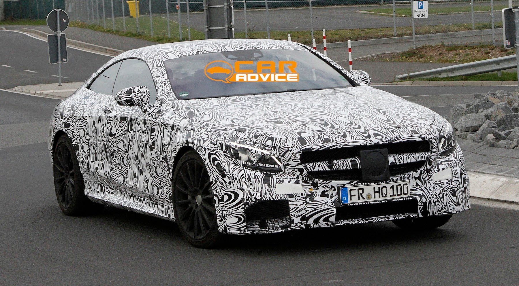 Mercedes-Benz S63 AMG Coupe spied in Germany - Photos (1 of 8)