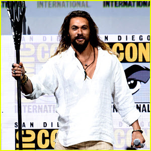 Jason Momoa Wields Aquaman's Trident on Comic-Con Stage!