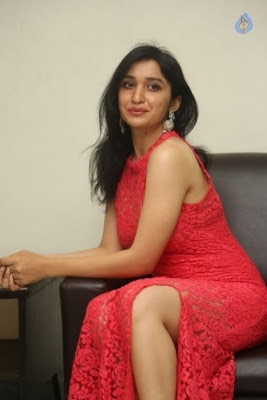 Sakshi Kakkar New Photos - 9 of 35