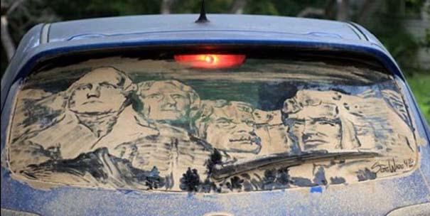 Έργα τέχνης σε σκονισμένα αυτοκίνητα (19)
