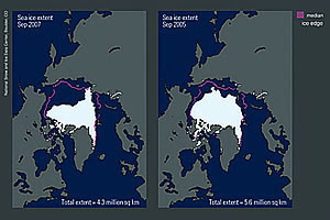 Maps of Arctic sea ice extent, 2005 and 2007