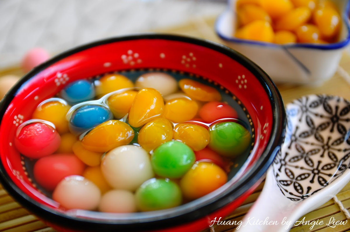 Sweet Glutinous Rice Balls Recipe (Tang Yuan 汤圆) | Huang ...