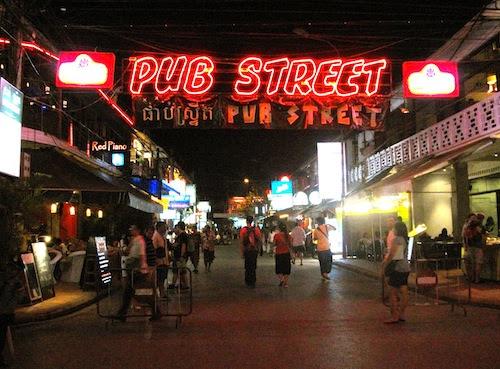 http://www.globaltravelmate.com/uploads/images/cambodia/siem_reap/siem_reap_pubstreet.jpg