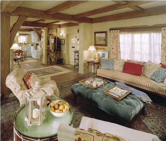 Iris's living room-still-large