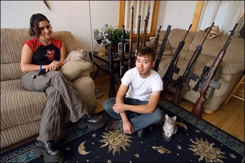 América armada - família americana com armas