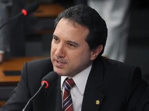 O deputado Natan Donadon (PMDB-RO), condenado a 13 anos de prisão por desvios (Foto: Leonardo Prado/Agência Câmara)