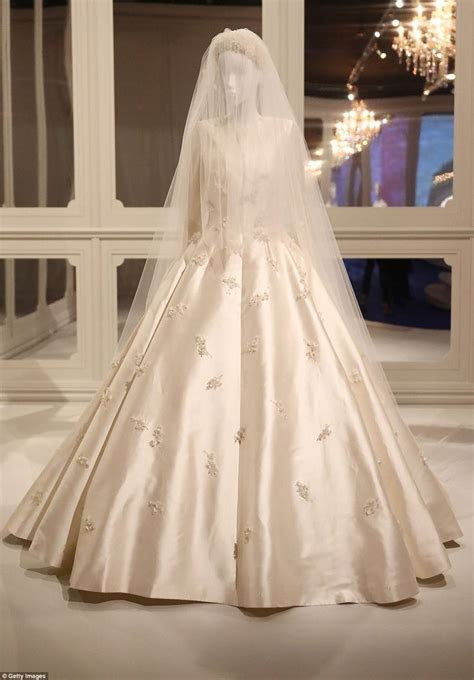 Best 25  Dior wedding dresses ideas on Pinterest   Inbal