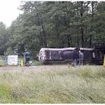 Jura : un camion-citerne de 28 000 litres de goudron se couche et pollue un étang