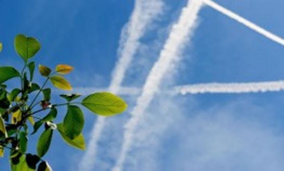Chemtrails um poluente Overhead Obvious ignorado e negado