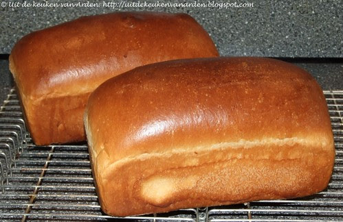 Golden Cake Bread