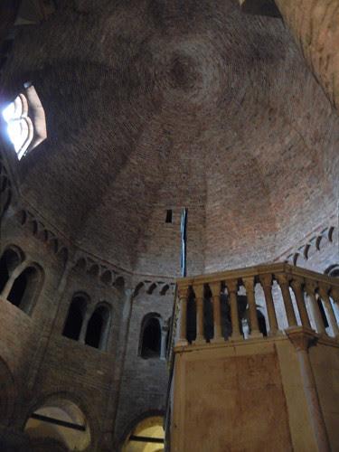DSCN4874 _ Basilica Santuario Santo Stefano, Bologna, 18 October