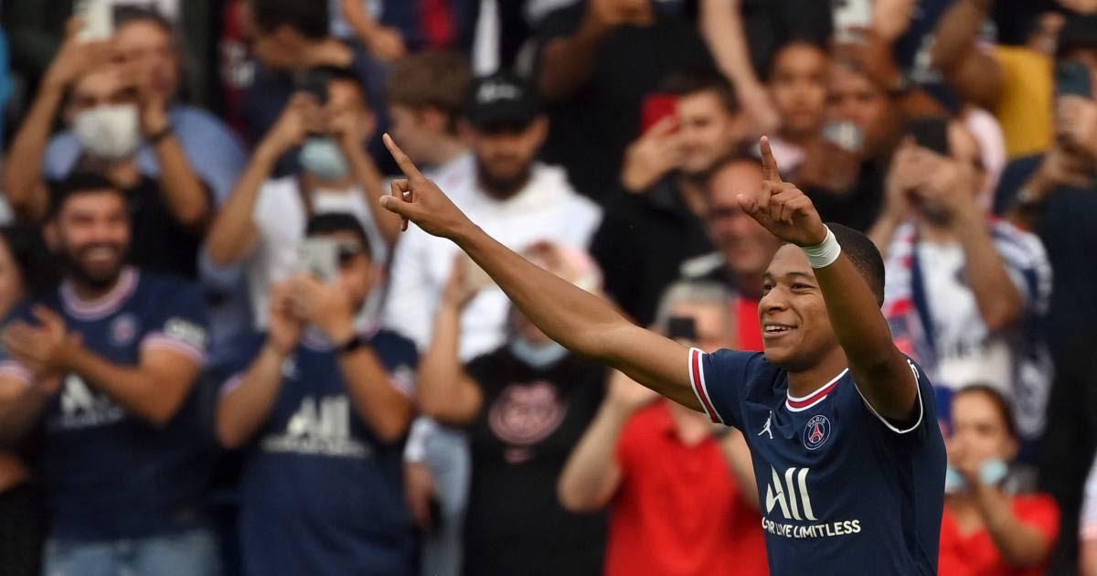 PSG-directeur sneert nogmaals naar Real Madrid over Mbappé: 'Niet blij met hun gedrag'