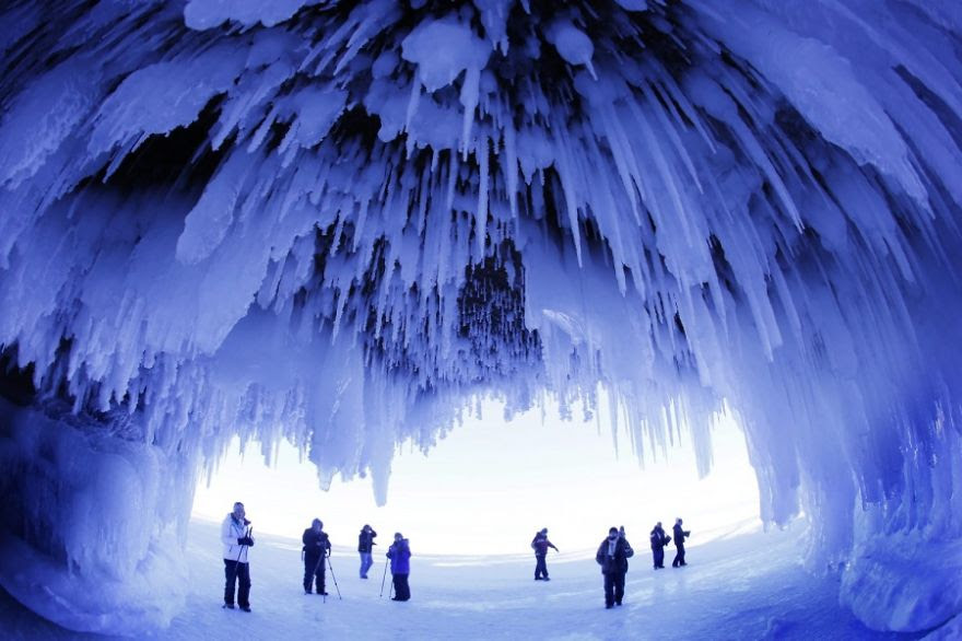 Ice Cave, Wisconsin, Usa