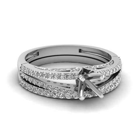 Loop Diamond Ring Setting With Two Matching Band