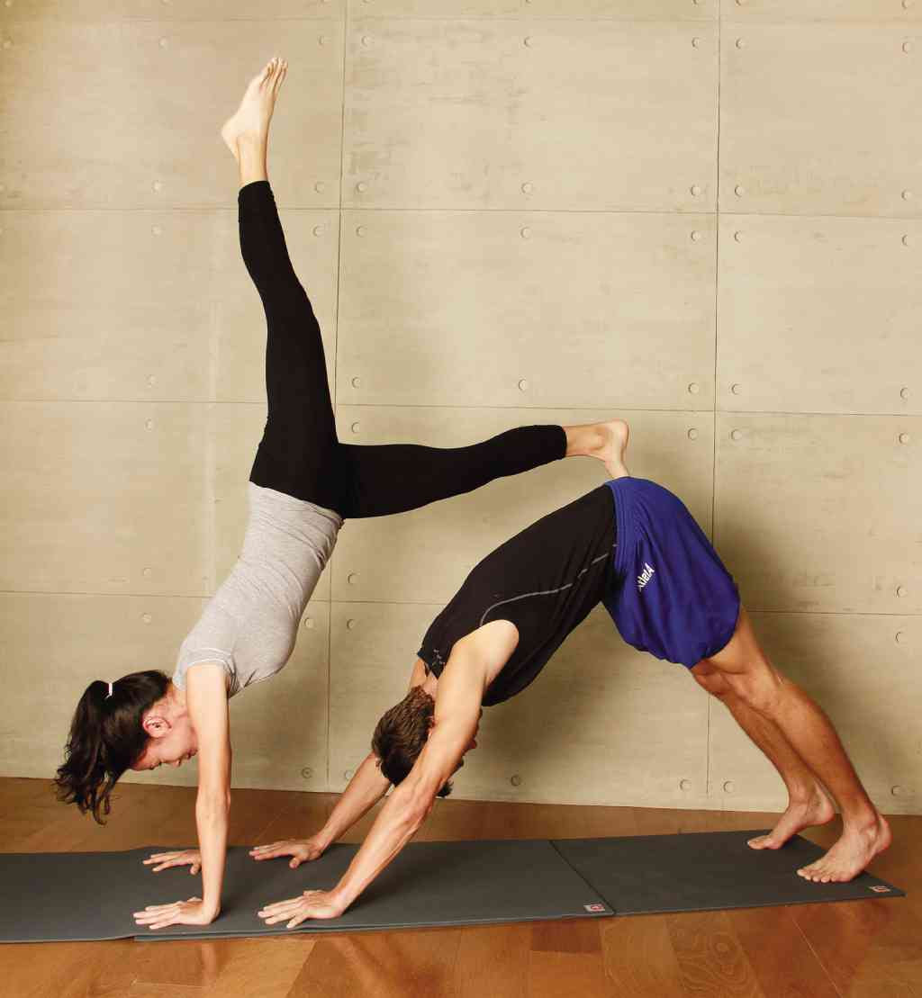 Awesome Two Person Yoga Poses Hard  Jagannath Blogs