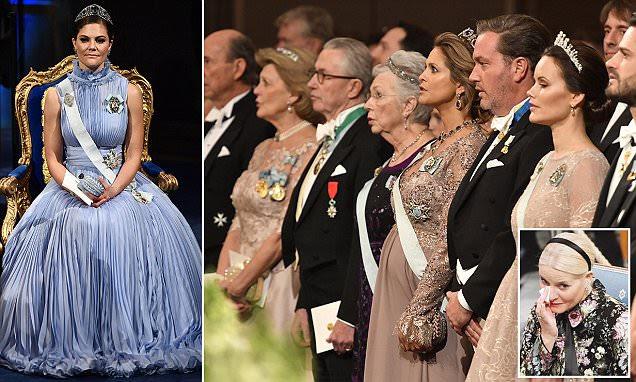 A realeza sueca se reúne para a cerimônia do Prêmio Nobel