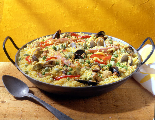 http://www.cucinaconme.it/images/paella.jpg