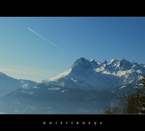 winter flight by austrianeye