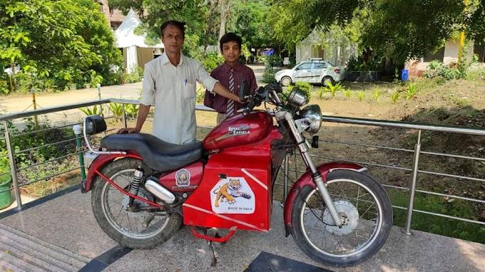 9वीं के स्टूडेंट ने कबाड़ से बनाई ई-बुलेट, एक बार चार्ज होकर चलेगी 100 KM; पेट्रोल से मिलेगा छुटकारा