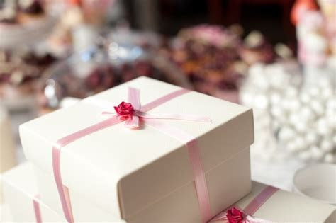 Guests? Guide to Wedding Gift Giving