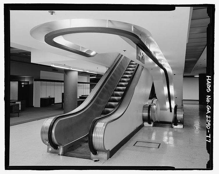 File:Interior view of north escalator, 5th floor furniture department in 1924 store. - Rich's Downtown Department Store, 45 Broad Street, Atlanta.jpeg