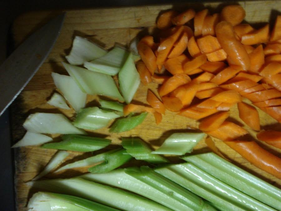 05 Cutting veggies on an angle