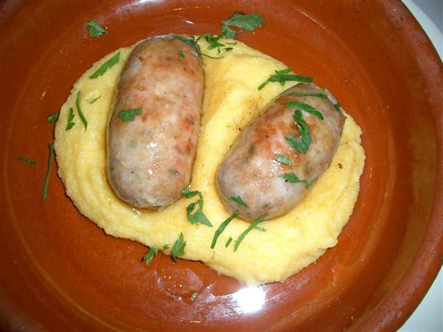 File:Polenta con salsicce.jpg