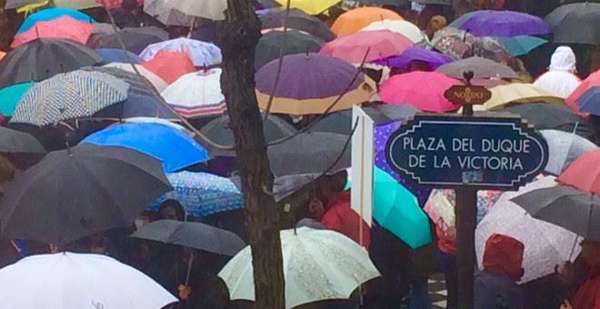 La lluvia irrumpe en Sevilla.- D. C