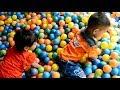 Serunya Bermain Mandi Bola Warna-warni ❤ Fun to play ball bath ❤ Permainan anak-anak kecil lucu