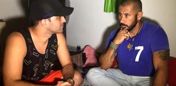Júnior (à direita) conversa com Celso Pinheiro Pimenta, o Playboy, à esquerda