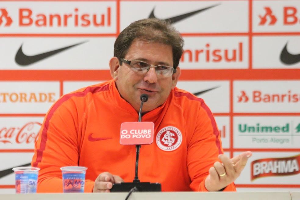 Apresentação de Guto Ferreira no Inter (Foto: Eduardo Deconto)