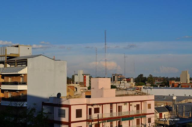 cumulonimbus en el horizonte